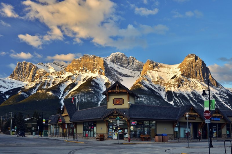 canmore-downtown.jpg