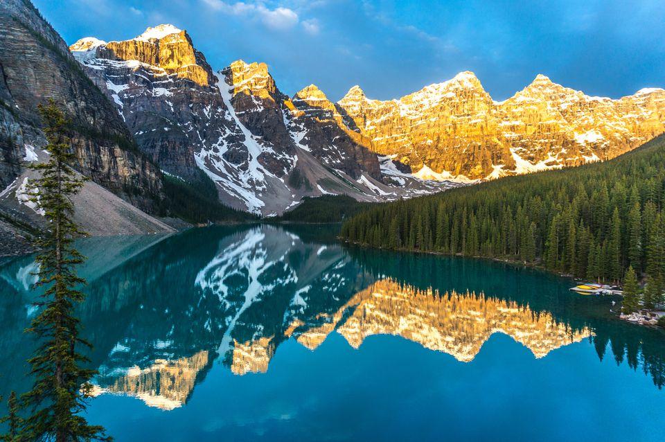 Banff-National-Park_janeteasche_Getty-Images-56a97eeb5f9b58b7d0fbf876.jpg