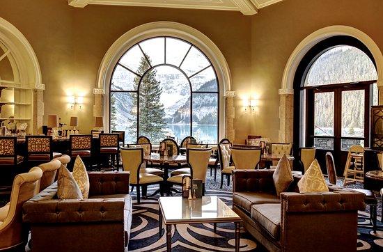 chateau-lake-louise-lobby.jpg