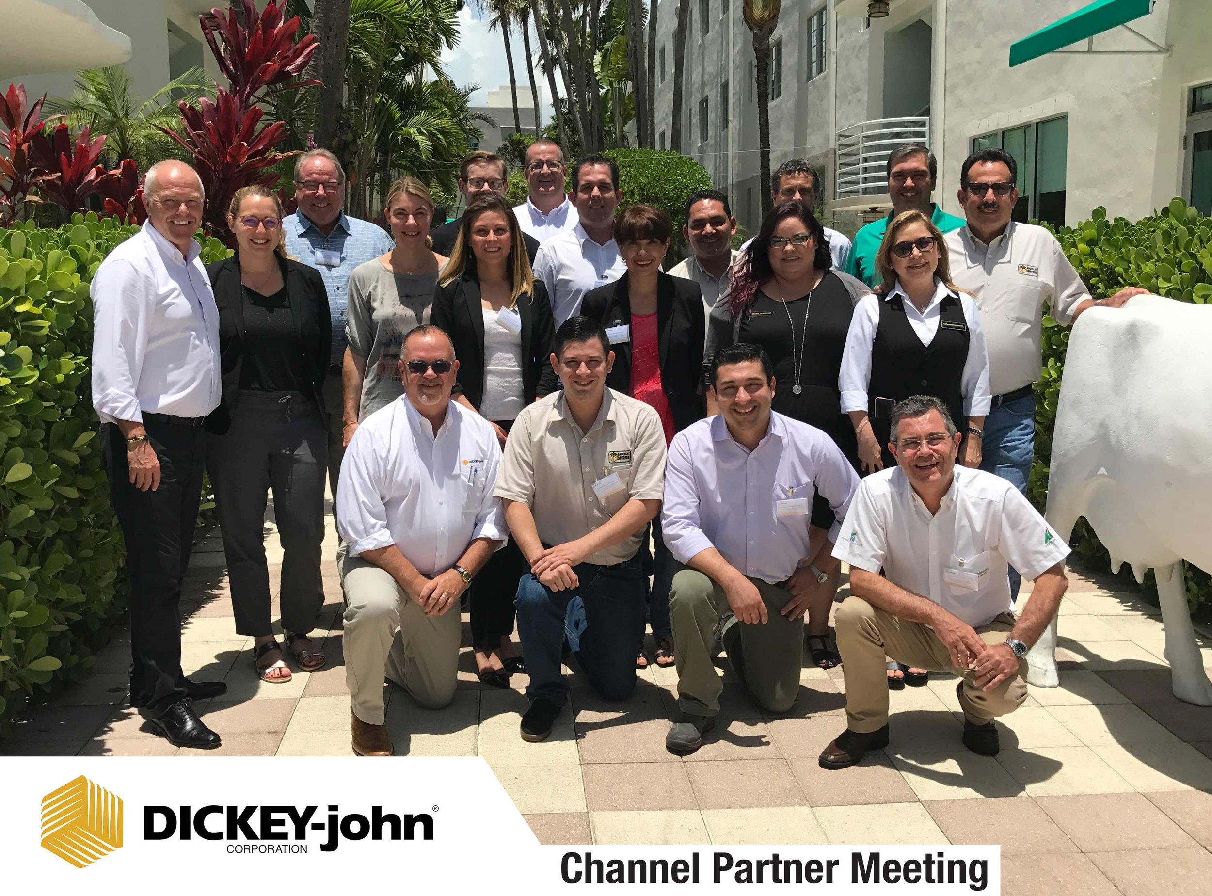 Group-Picture-Miami-Channel-Partner-Meeting-2018.jpg