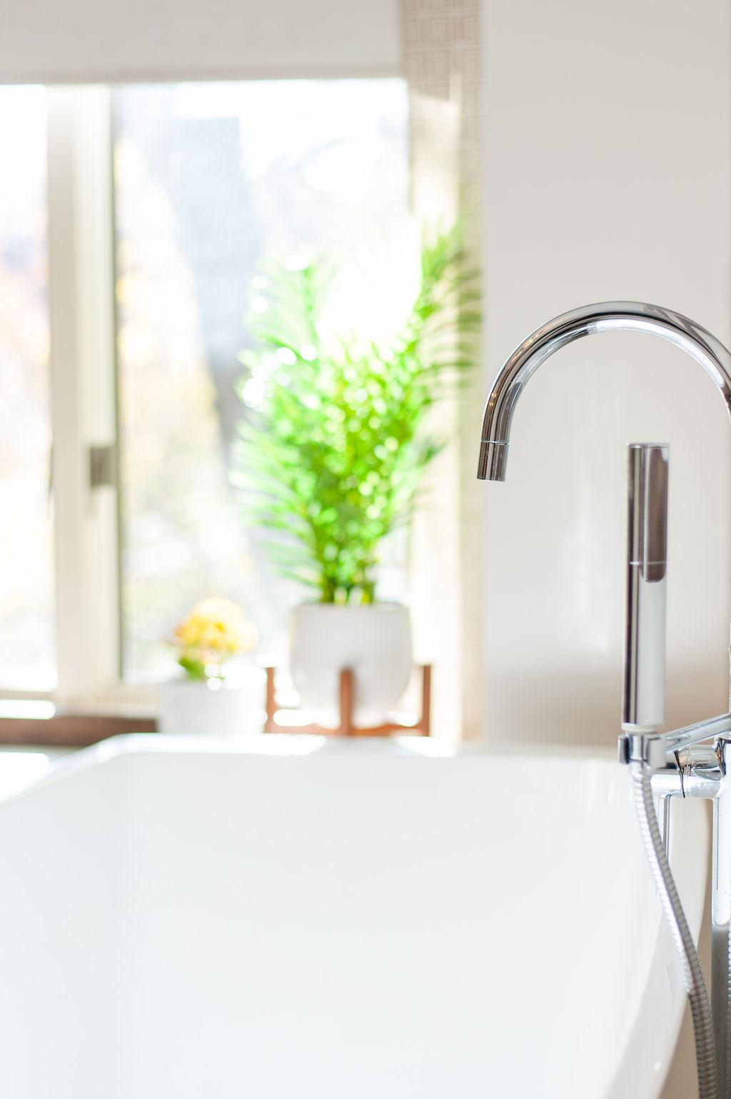 Blank-Canvas-Interior-Design-in-kansas-city-bathroom-tub-faucet.jpg