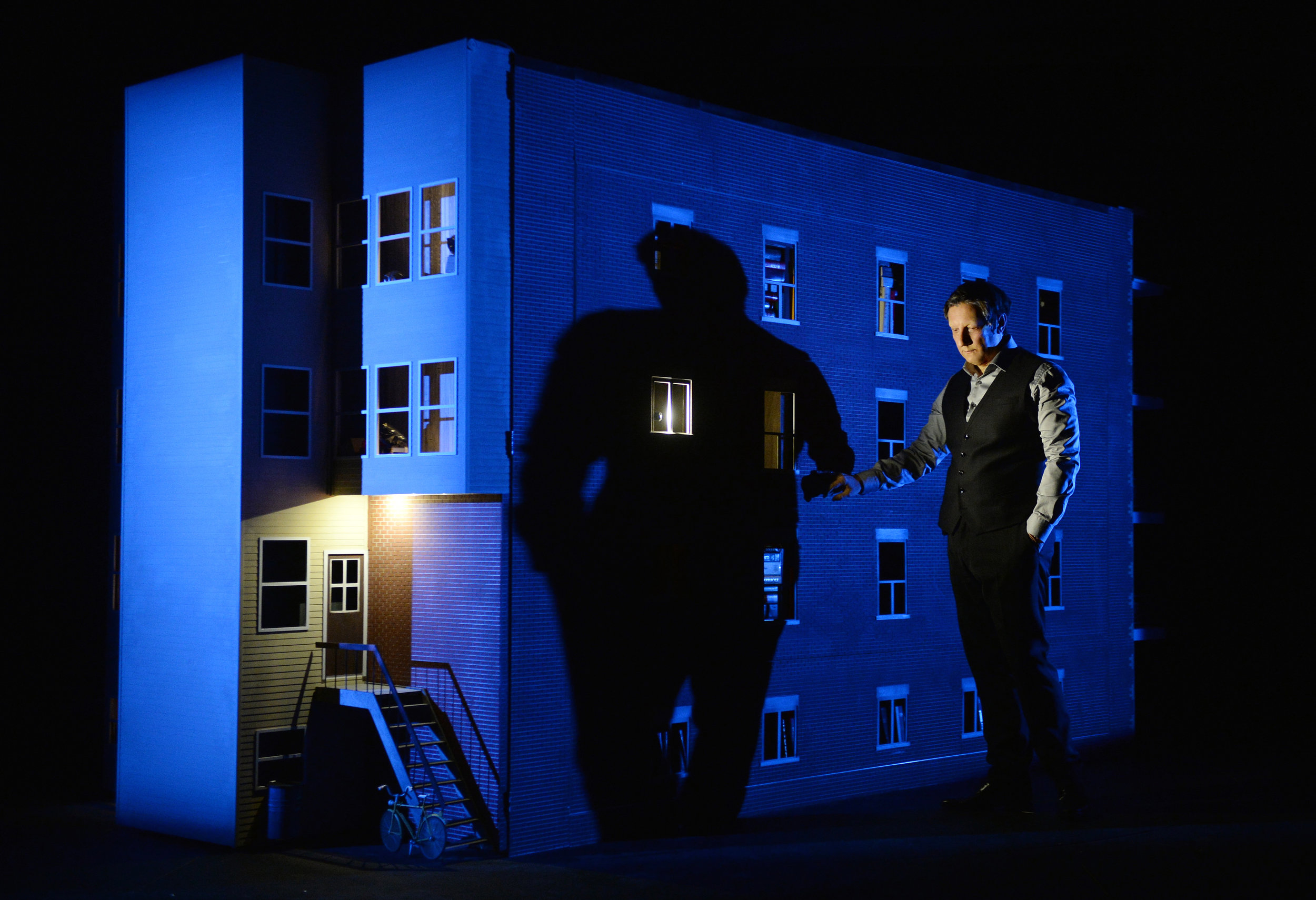 """Photo: Érick Labbé Show"""": """"887* Written, designed, directed and performed by Robert Lepage"""