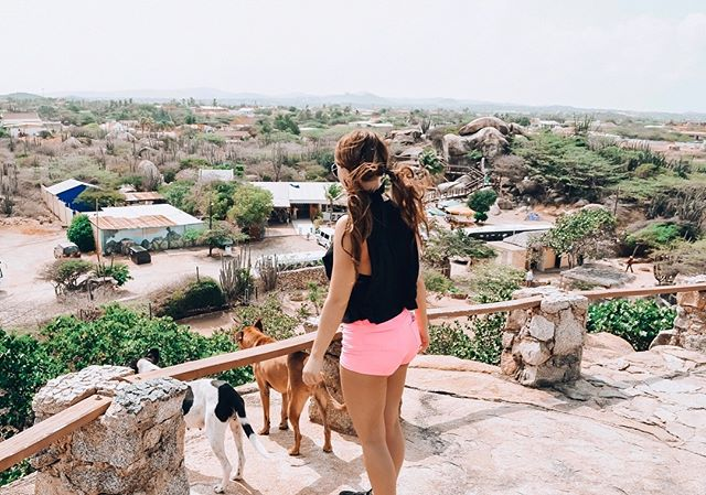 An ultimate throw back Thursday to.. me being brunette🤷🏽♀️ but to Aruba! This original picture, really captured how I felt in this moment at such a young age (maybe 15yrsold)    Venturing with family on all parts of this island.. a new place a ton of views to see, I had only seen on tour guides is pictures from resorts/cruises. And off the beaten path, comes dogs🐕 ...It really made me think, right there, how hungry/skinny dogs were and from all over the world and especially in the cold.  A lot has changed since then, iv'e seen most of the Caribbean (fun fact; all except 3 islands!🌴) to Asia to Europe and soon further South America, and theres alottt to see out there🤔   I wanted to make a really honest post that all these places aren't as absolutely perfect as they seem in pictures. BUT, I can promise it changes out outlook on every aspect of your life. Including something as simple of food on your table and it taught me to definitely always take left overs + don't waste food!🚫 Europe, America and the world is nothing short of beautiful. But remember, we have it really good even if it's what we think is so simple🙏🏽