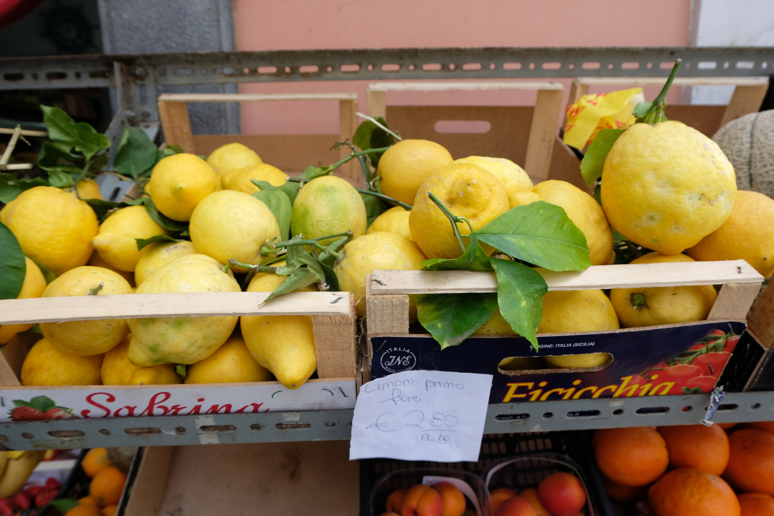 You'll see the classic South of Italy lemons EVERYWHERE! #lemons
