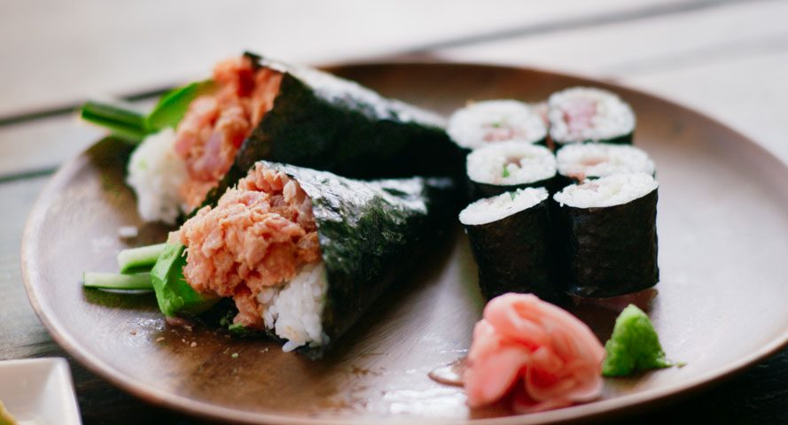 Jet-Tila-Spicy-Tuna-Roll-Recipe-889x480.jpg