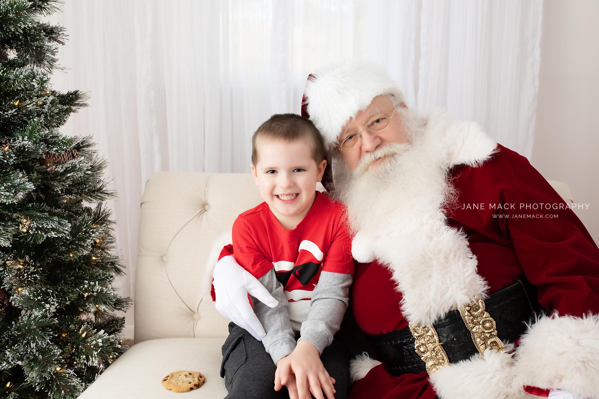 Santa Pictures Near Towson.jpg