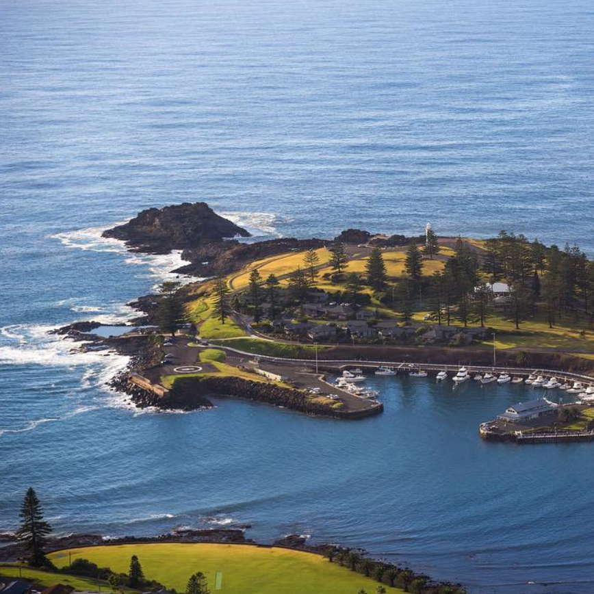KIAMA   Kiama is always on the cards for a visit when down at Soul. Short scenic drive and you will arrive at the world famous Kiama Blowhole. Lots of shops to check out and spoilt for choice with food options such as Wild Patch Cafe, Penny Whistlers, Hanoi on Manning.