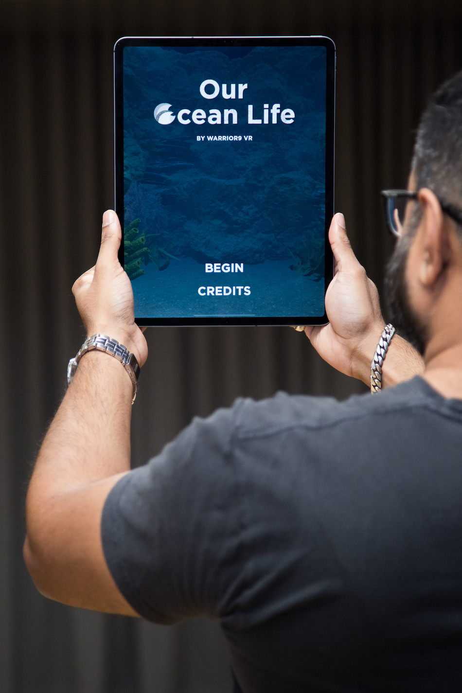 Immersive media company Warrior9 VR demonstrates their augmented reality experience Our Ocean Life on iPad Pro. (2) [Image courtesy of The MeshMinds Foundation].jpg