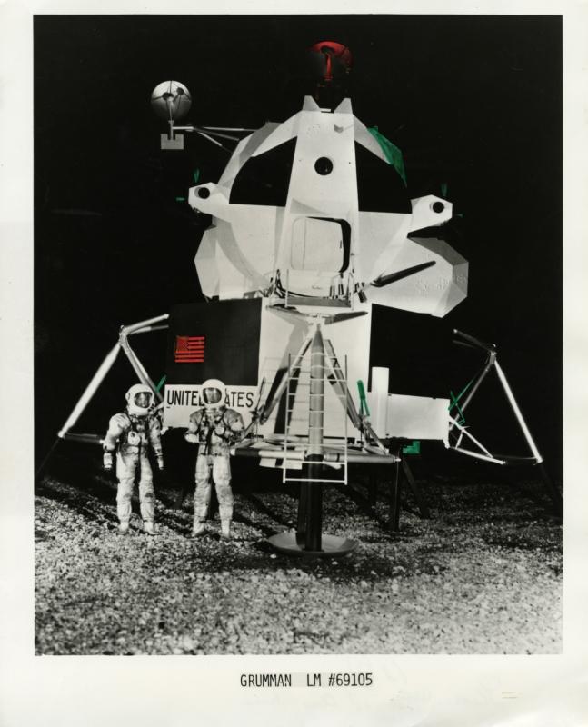 Landingsvaartuig Apollo 11. Foto 1970. Landing vehicle Apollo 11. Photograph 1970.