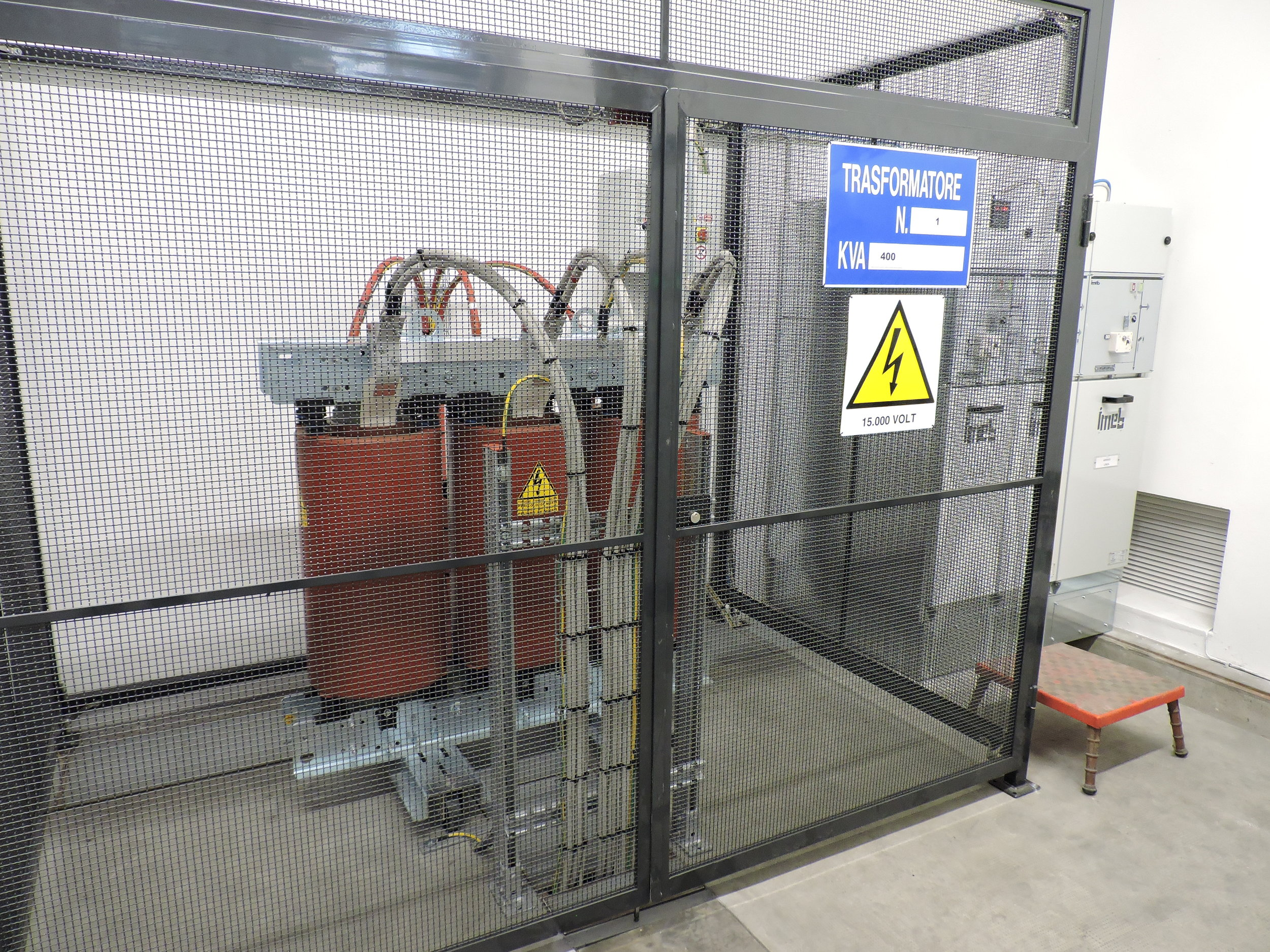 sirp impianti elettrici cabine elettriche cuneo cherasco piemonte progettazione installazione manutenzione sistemi elettriciDSCN1756.JPG