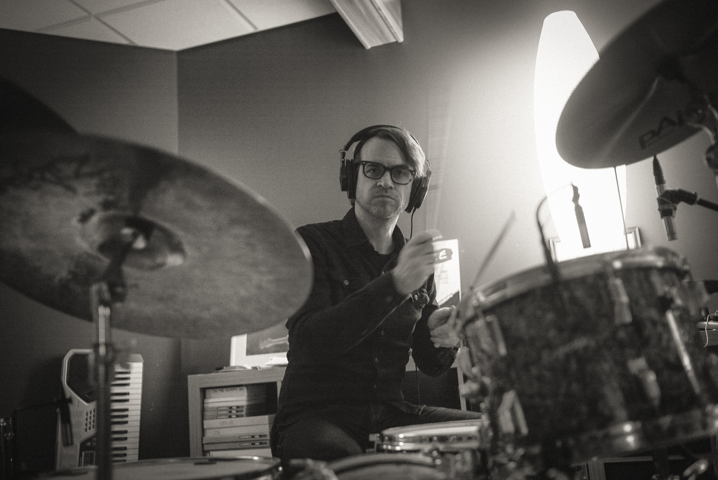 MIKE TITTEL - Drums. Singer/Songwriter @ Cincinnati's New Sincerity Works and Pretty Bird. Drummer @ Pidgin, Loud Family. Principal, Fruit Hill Recording Studio.