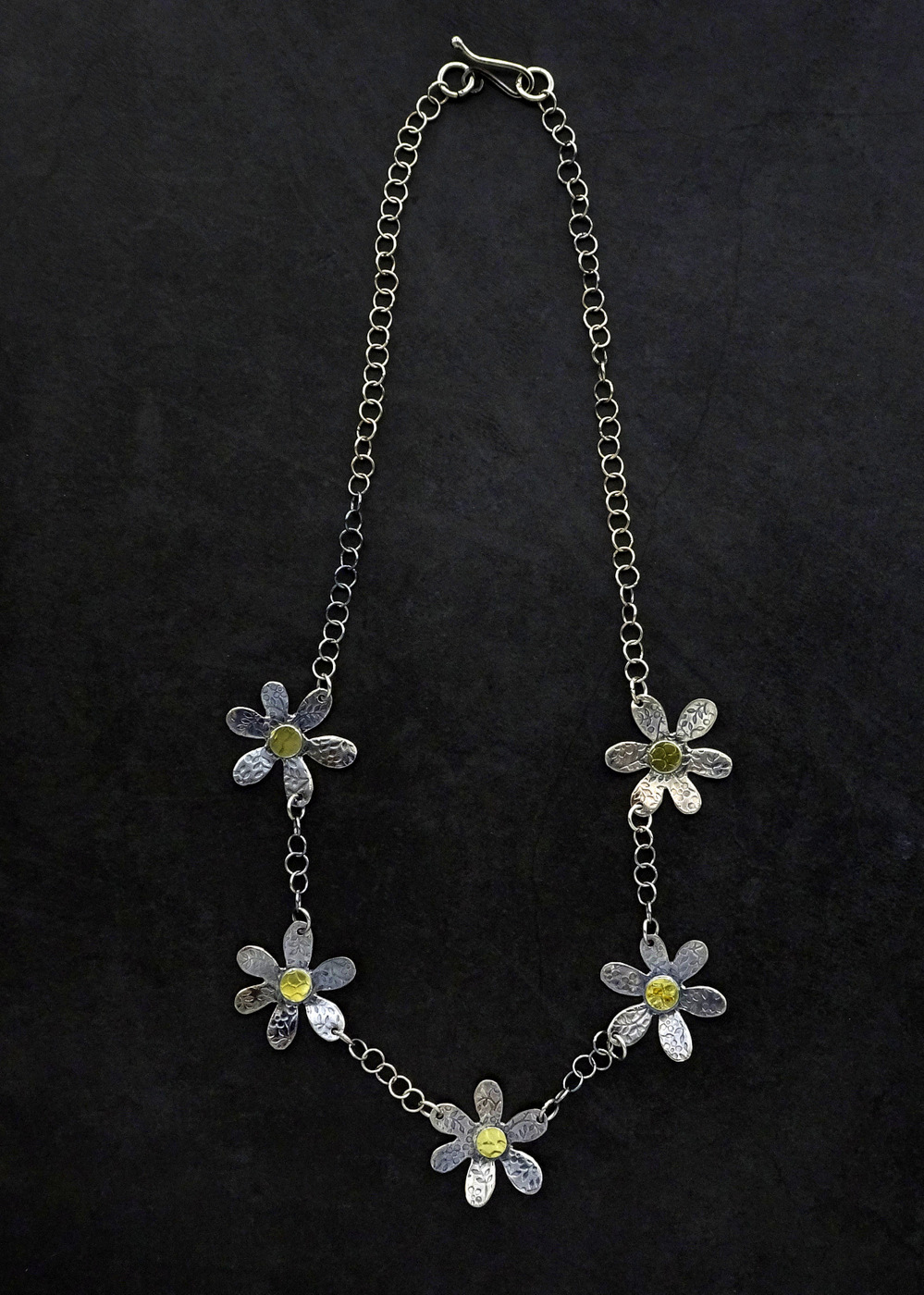 """FLOWER POWER NECKLACE,  1.0 inch flowers,  19"""" adjustable chain"""