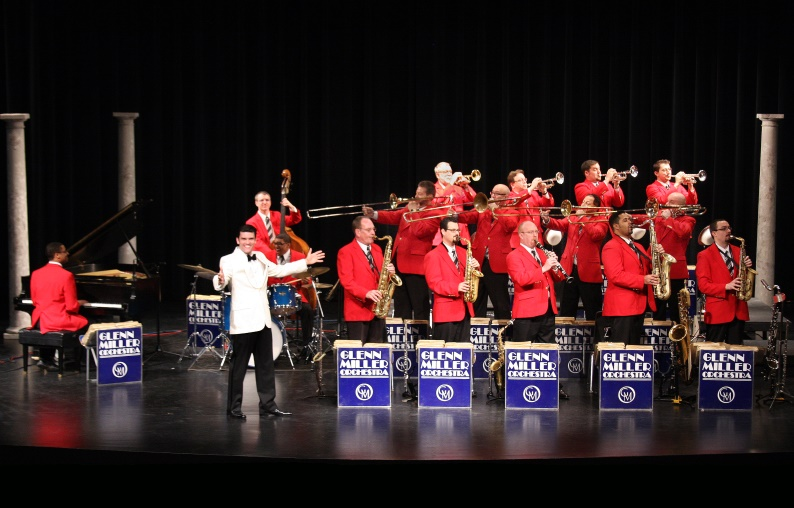 Nick Hilscher and the Glenn Miller Orchestra