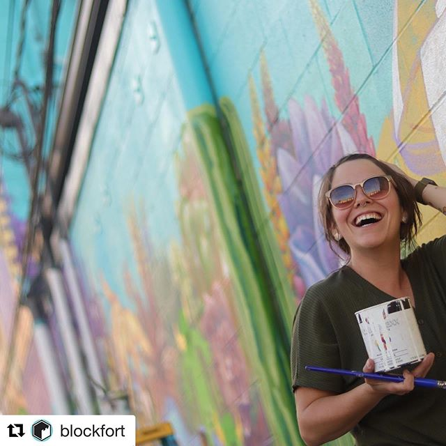 Have you seen the new mural at @blockfort ?  Progress continues on the murals. Friday was a beautiful day to be outside. Thanks to @digable_sid for the photos. #blockfort #alleyislands #murals #discoverydistrictcbus #asseenincolumbus