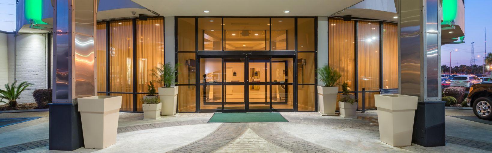 Hotel-Entrance.jpg