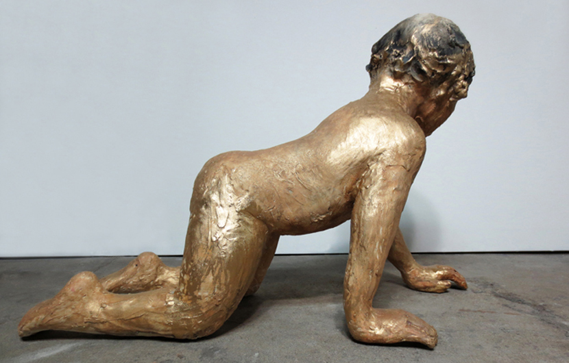 Acércate, 2013, Glazed stoneware with gold pigment,