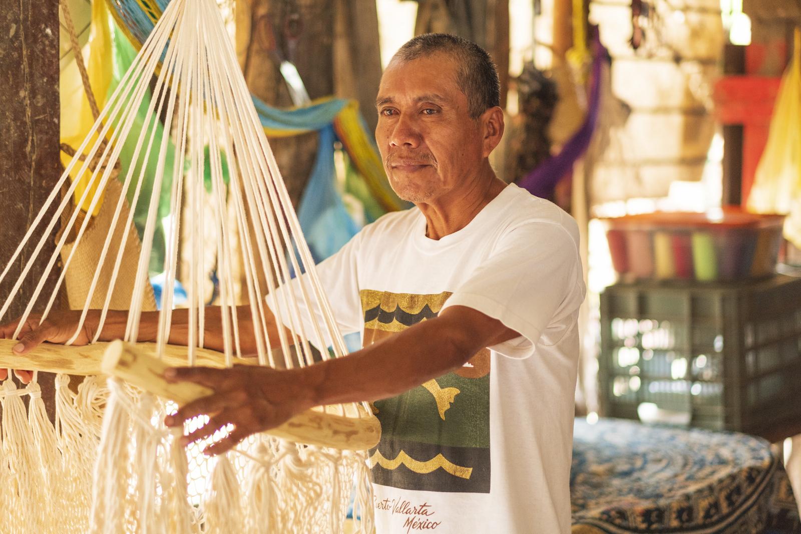 Moisés; partner; handicraft