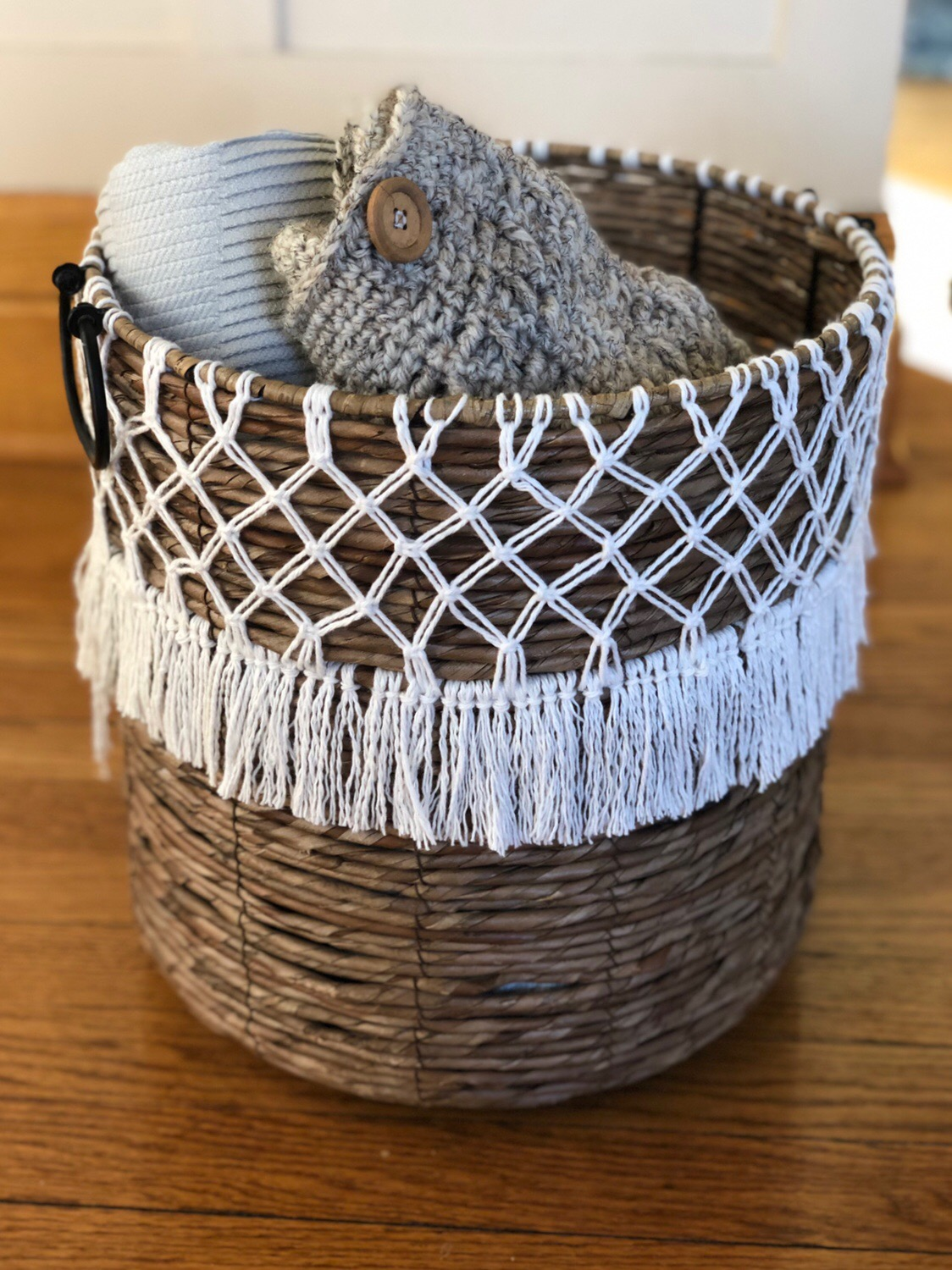 Anthropologie Hacked DIY Macrame Basket.JPG