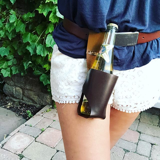 #WIP: I'm a little behind on the handmade gifts I have planned for Keith, but this leather beer holster is coming right along! 🍻 . . . #leather #handmade #maker #makersgottamake #beerenthusiast #beerholster