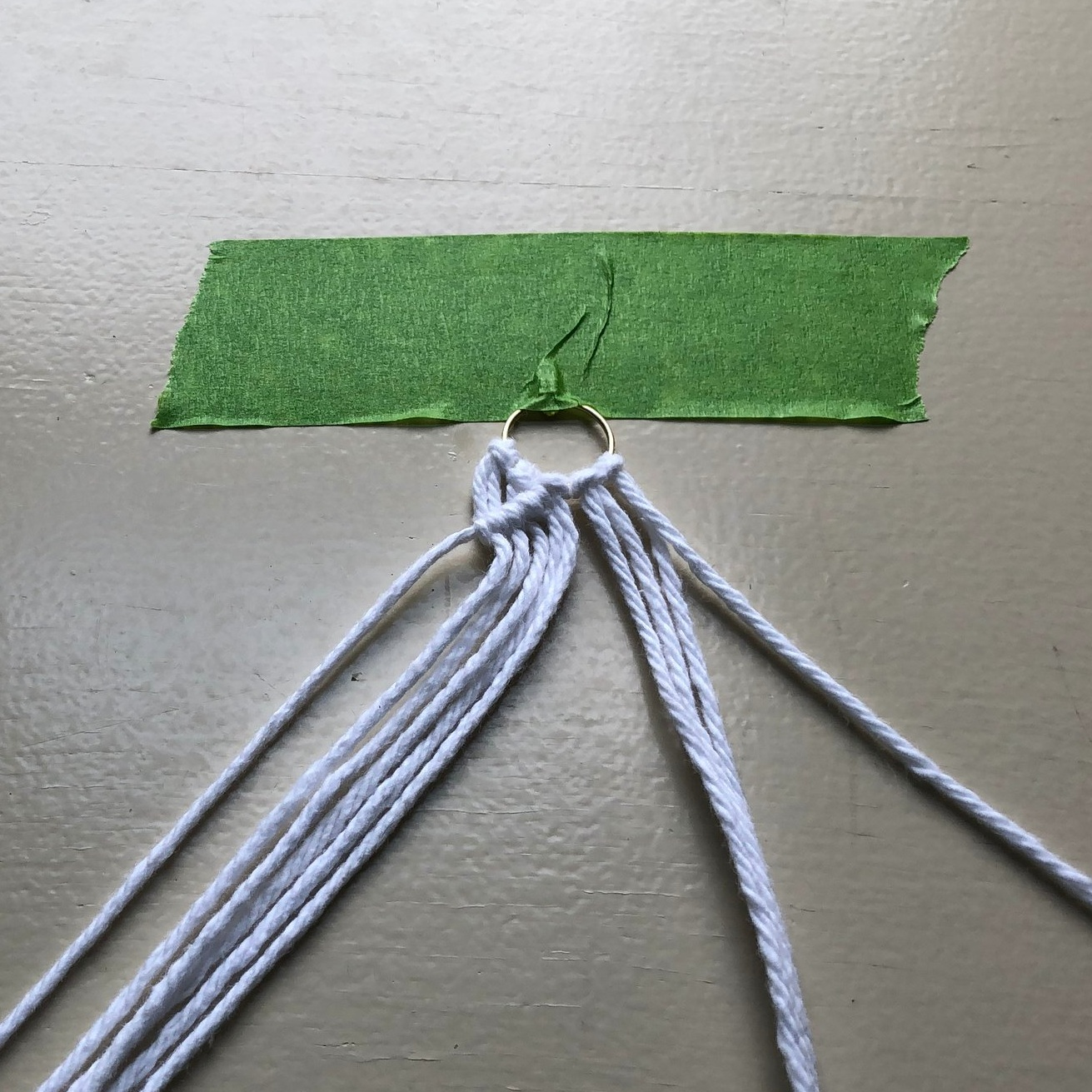 completed left diagonal of the double half hitch knots