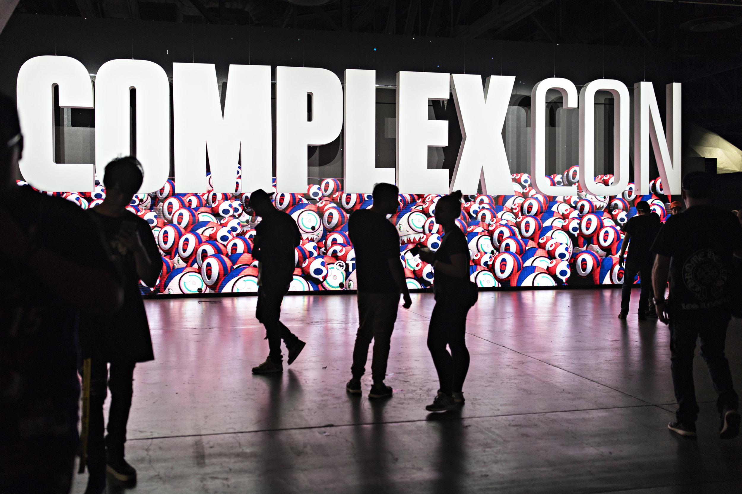 ComplexCon_1972-1-1.jpg