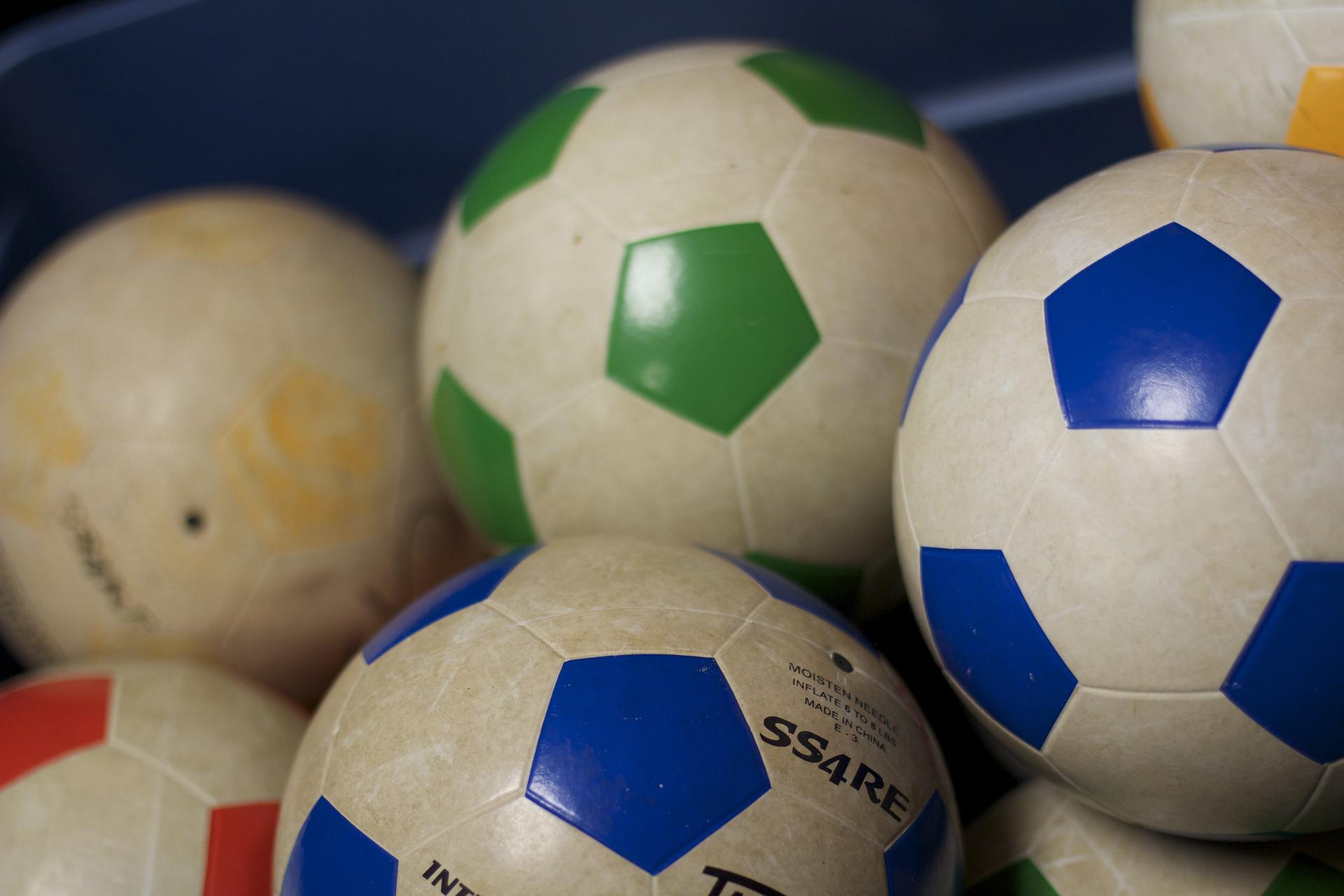 soccer-670058_1920.jpg