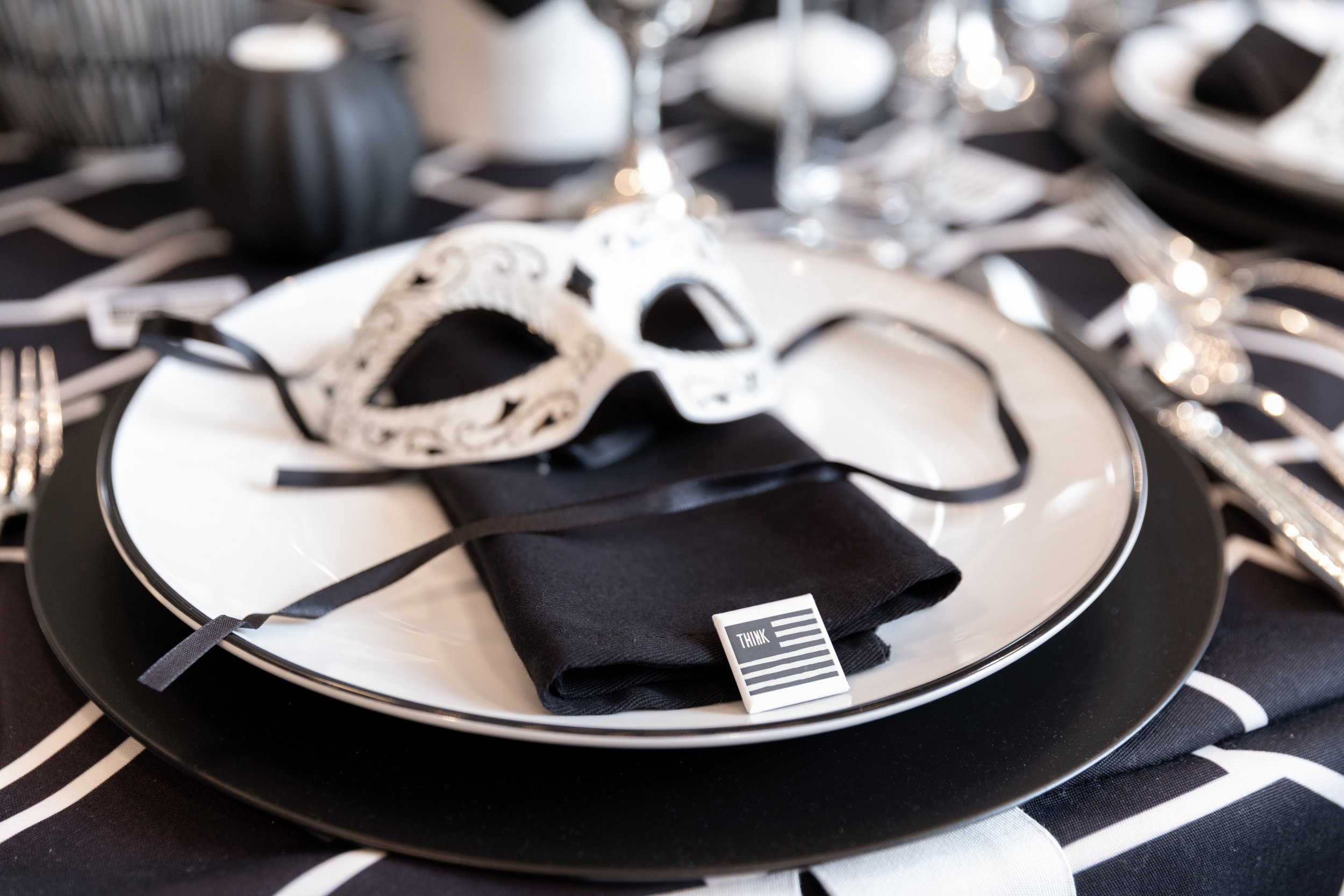 3-HH2D-Table Setting.jpg