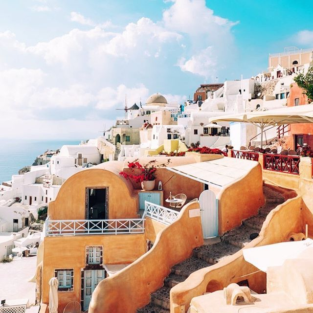 Have you explored Oia yet? Travel there by scent with our newly released parfum oil. #oia #scent #travel