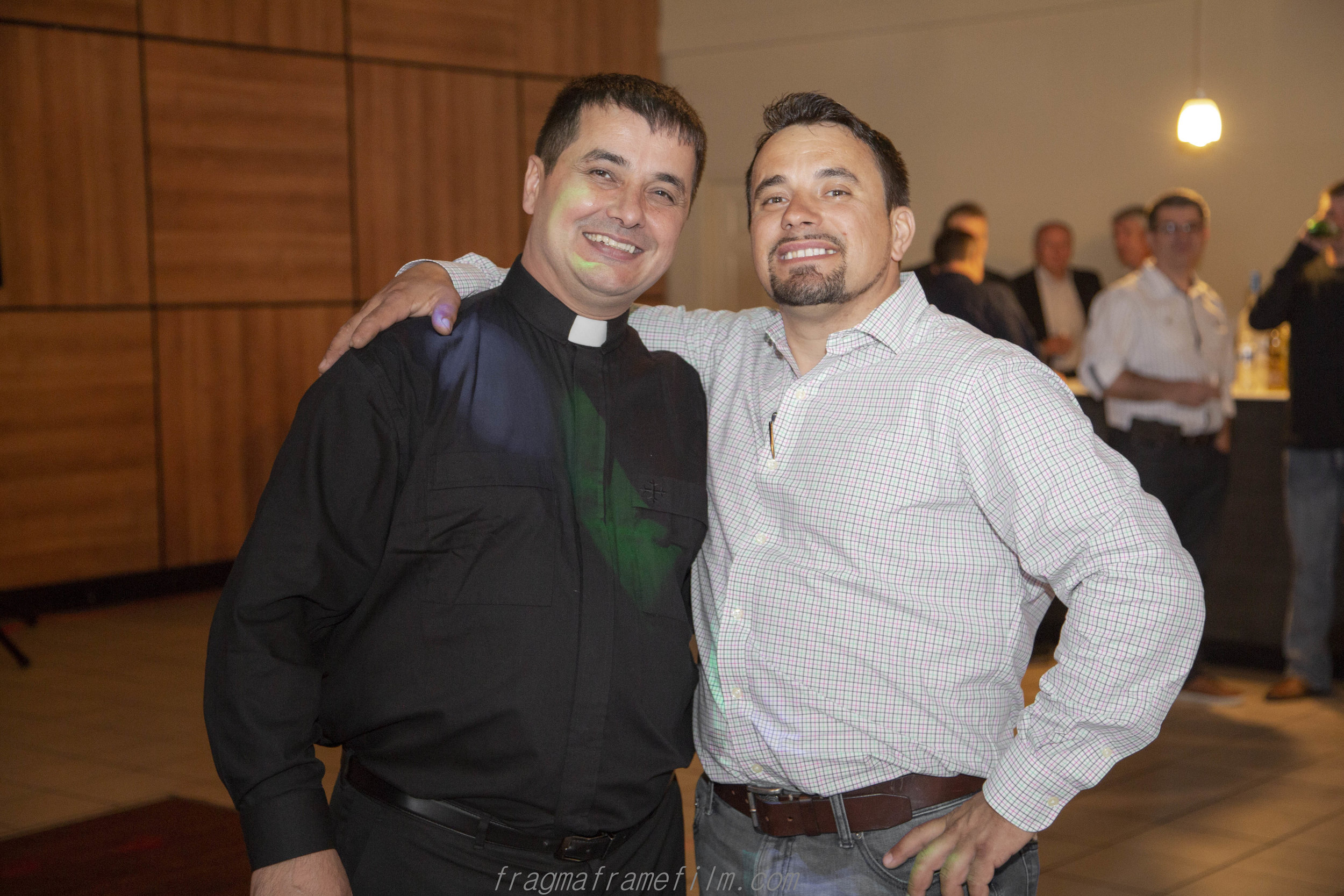 BISERICA preot-10.jpg