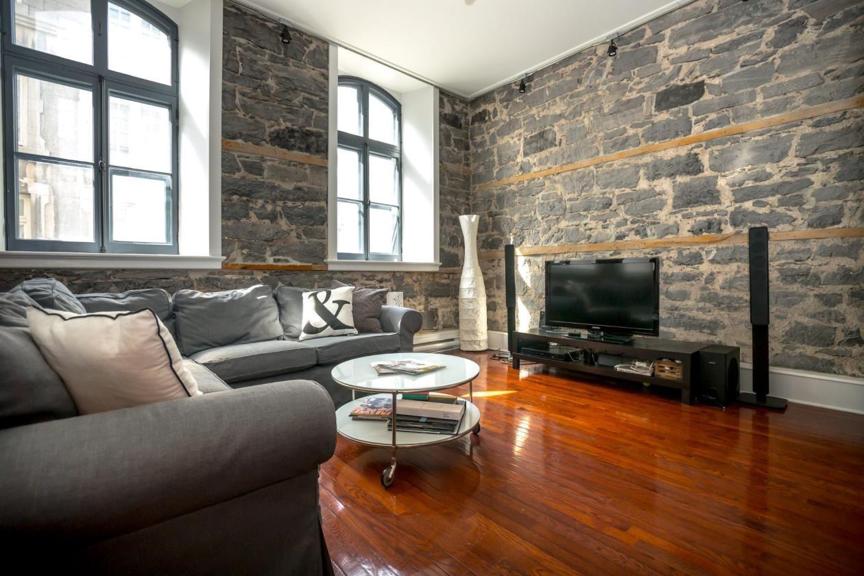 325 Rue du St-Sacrement, app. 203 Ville-Marie (Montréal)    2,300$/mois
