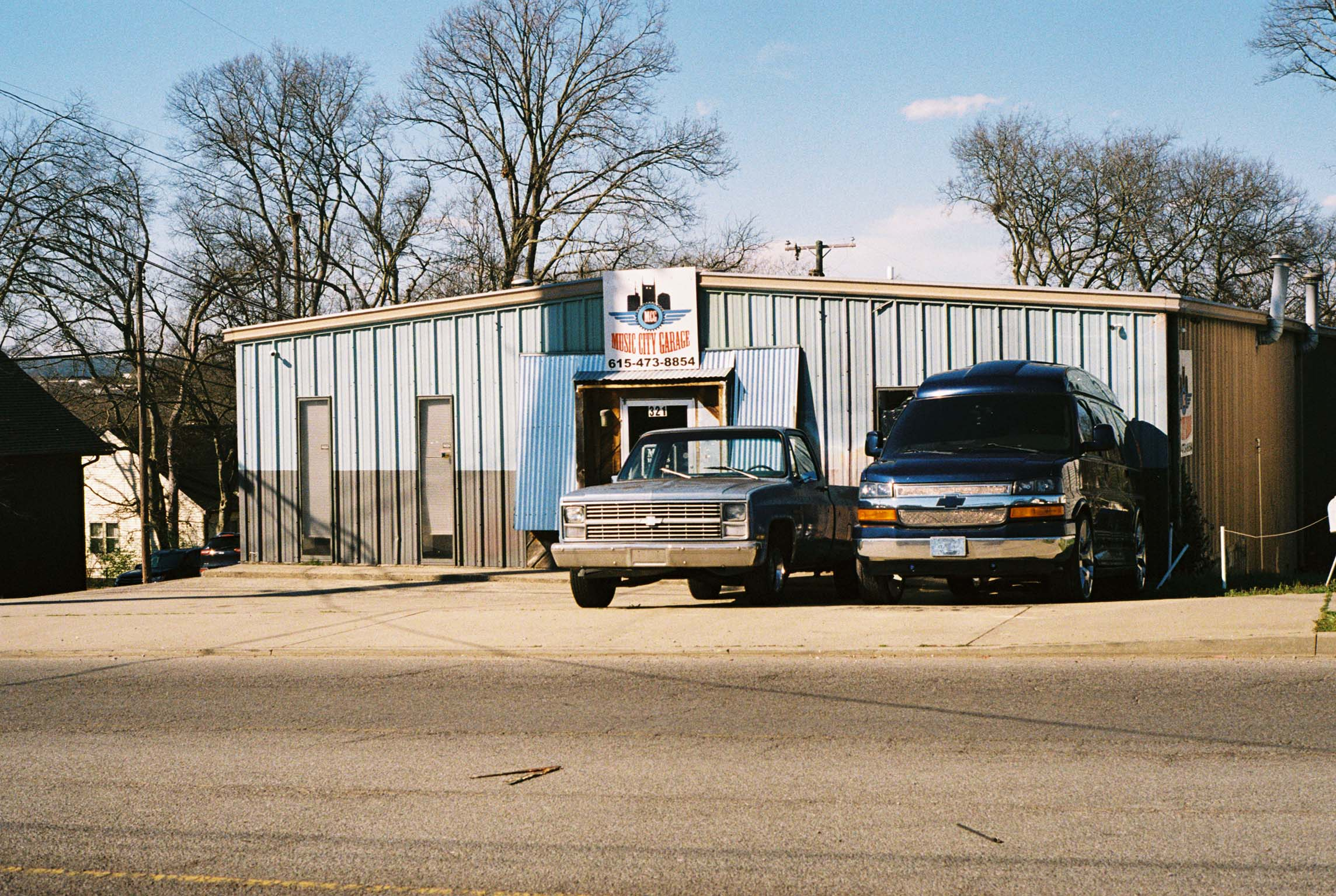 East Nashville.  Tennessee.  Kodak Ultra Max 400. Pentax K1000. Fletcher Berryman 2019.