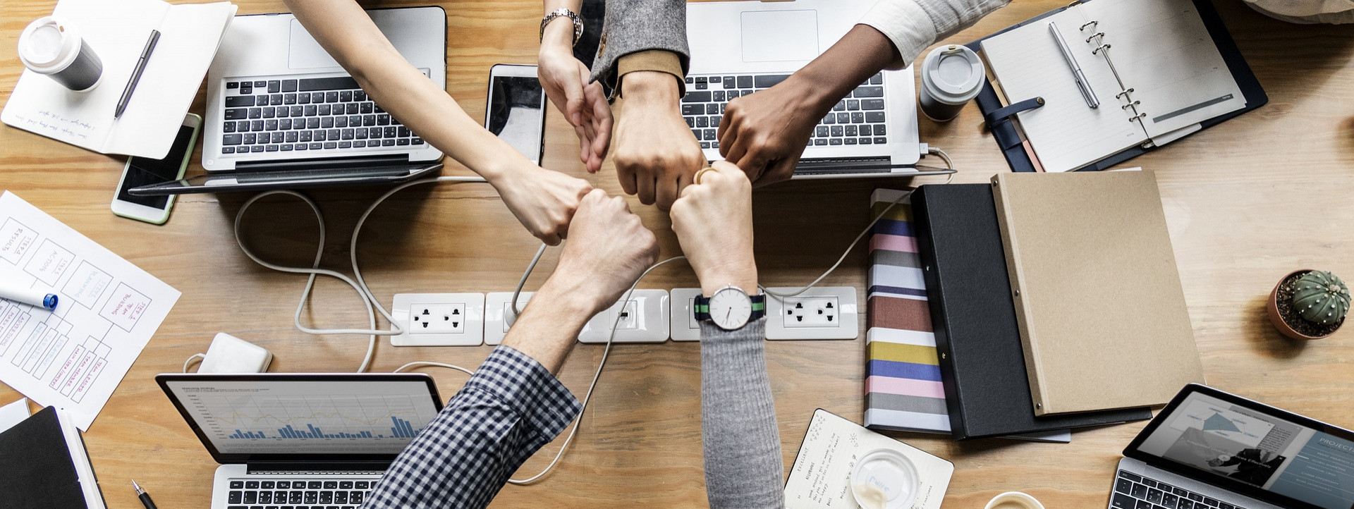 Finding allies in the newsroom that can support your ideas can give you the support you need to speak up. [Photo: Pixabay]
