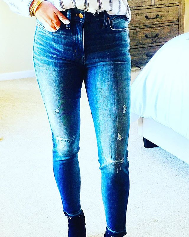 """My favorite new pair or jeans has the highest rise I've owned since high school. They hide all extra fun I've gained over the last few years😜Great fitting jeans are an essential part of your closet, let me do the """"leg"""" work for you with a styling and shopping session in your own home. Message me for details..."""