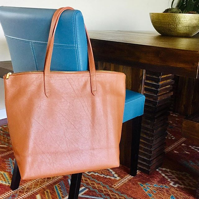 When shopping, I try and get the best deals (thank you @poshmark and @nordstromrack) but sometimes a splurge is necessary! A good leather tote falls into that category, perfect for trips, meetings or just the day to day (water, laptop, snacks, journal, chapstick, did I say snacks?) I fully encourage spending the money (within reason, of course) for the perfect bag.  Not only will it last forever, it looks better with age... like us! Curious about my picks? Message me for my favorites list:)