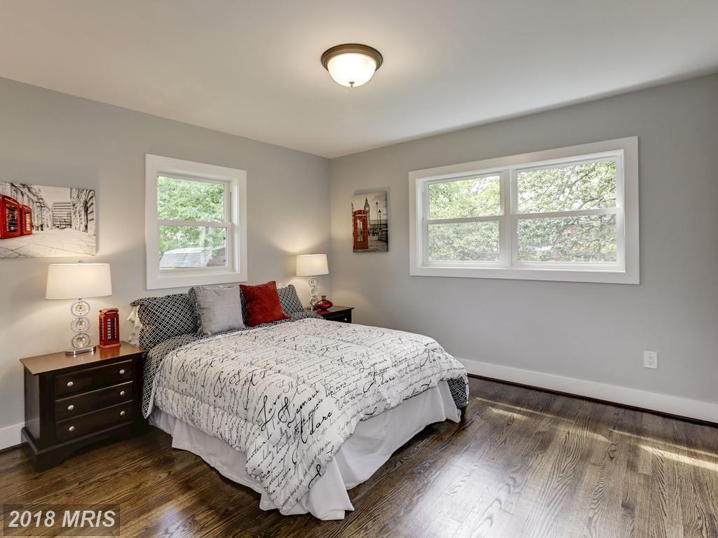 Dannys 3634 - bedroom.jpg