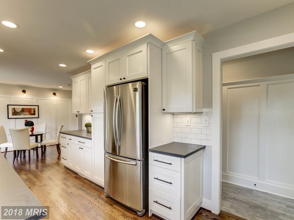 Dannys 3634 - kitchen 2.jpg
