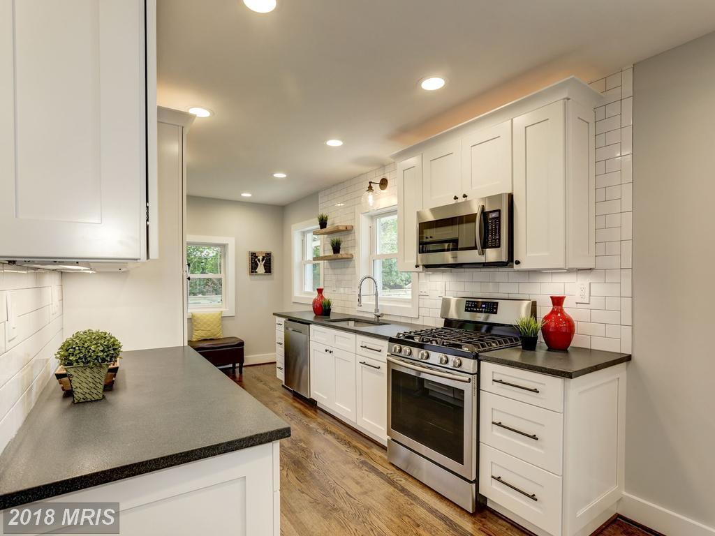 Dannys 3634 - kitchen.jpg