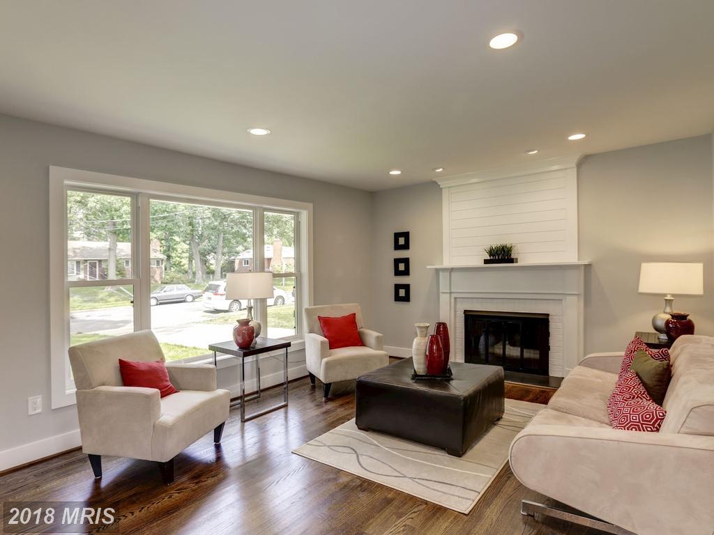 Dannys 3634 - living room.jpg
