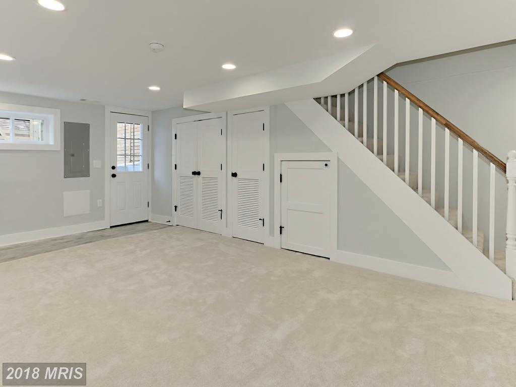 Manning 3035 - basement 2.jpg