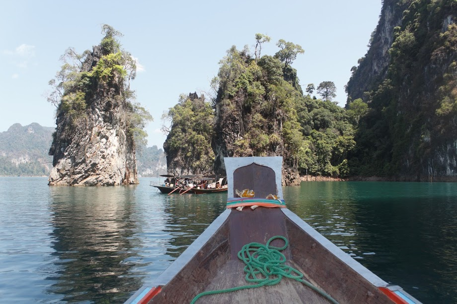 Khao Sok Bungalow Bliss - Longing for a way to disconnect from your digital persona and spend a few days in nature? Check out my review of our 3 day tour experience at Khao Sok National Park in Surat Thani, Thailand - including an overnight stay in a rustic floating bungalow!