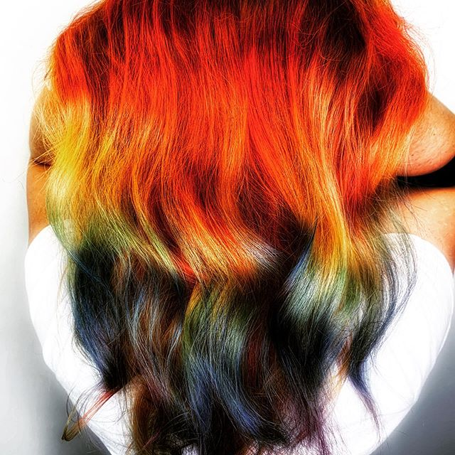 Rock a Rainbow 🌈  This #summer19 style was created with my @lanzahaircare VIBES and painted in vertical sections by hand then added clear and #hairslide technique. Thanks to @qualitytouchfoil for no cling #films ——— What's your favorite color melt for #summermood tag a friend and have a chance to win a #glampoobyu 😻