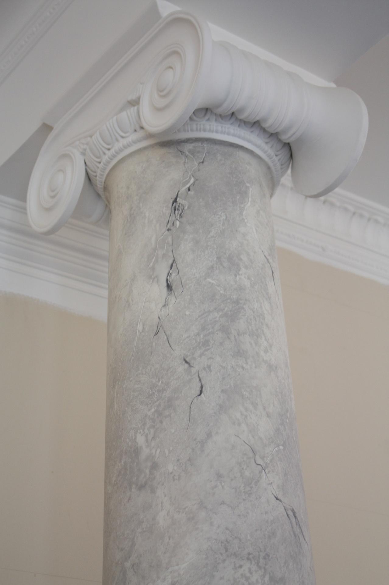 white grey carrara faux marble colloum