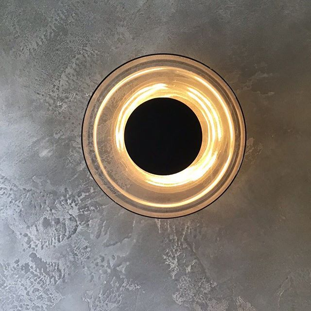 More of this beautiful master spa located in #putney  #london a little close up of these beautiful light features, they are perfect for this space. . • we applied a beautiful bespoke polished plaster with silver and movements of bronze. • #london #putney #southwestlondon #spa #bathroom #mirrow #pendent #pendentlights #lights #polished #plaster #polishedplaster #bespoke #fabulousfinishes_uk #fabulous #silver #bronze #reflections #likeforlike #bronze #silver #masterspa #throwback #artisanmade #artist #custom #bespoke