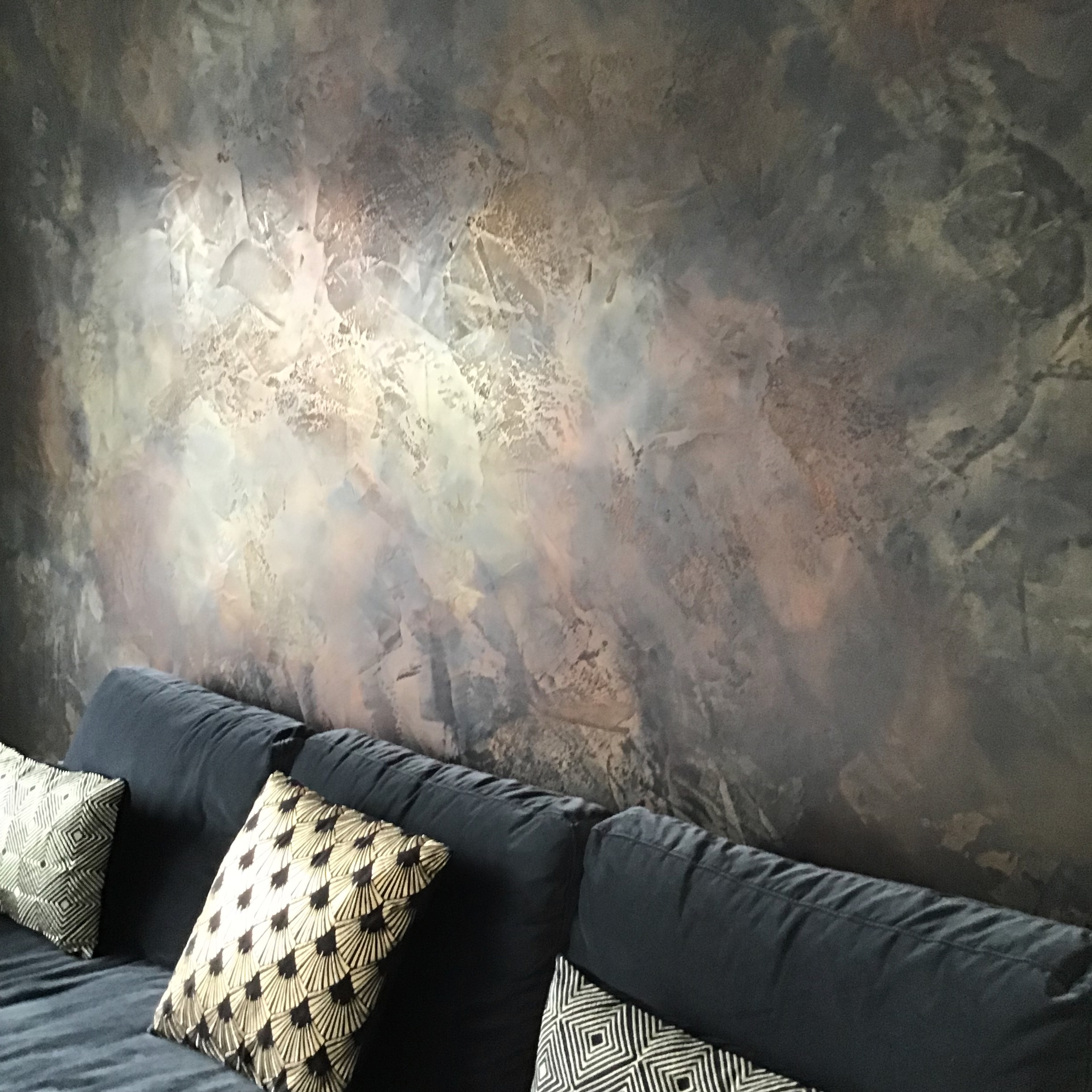 black bespoke polised plaster feature wall copper bronze gold hendon fabulous finishes uk 4.jpeg