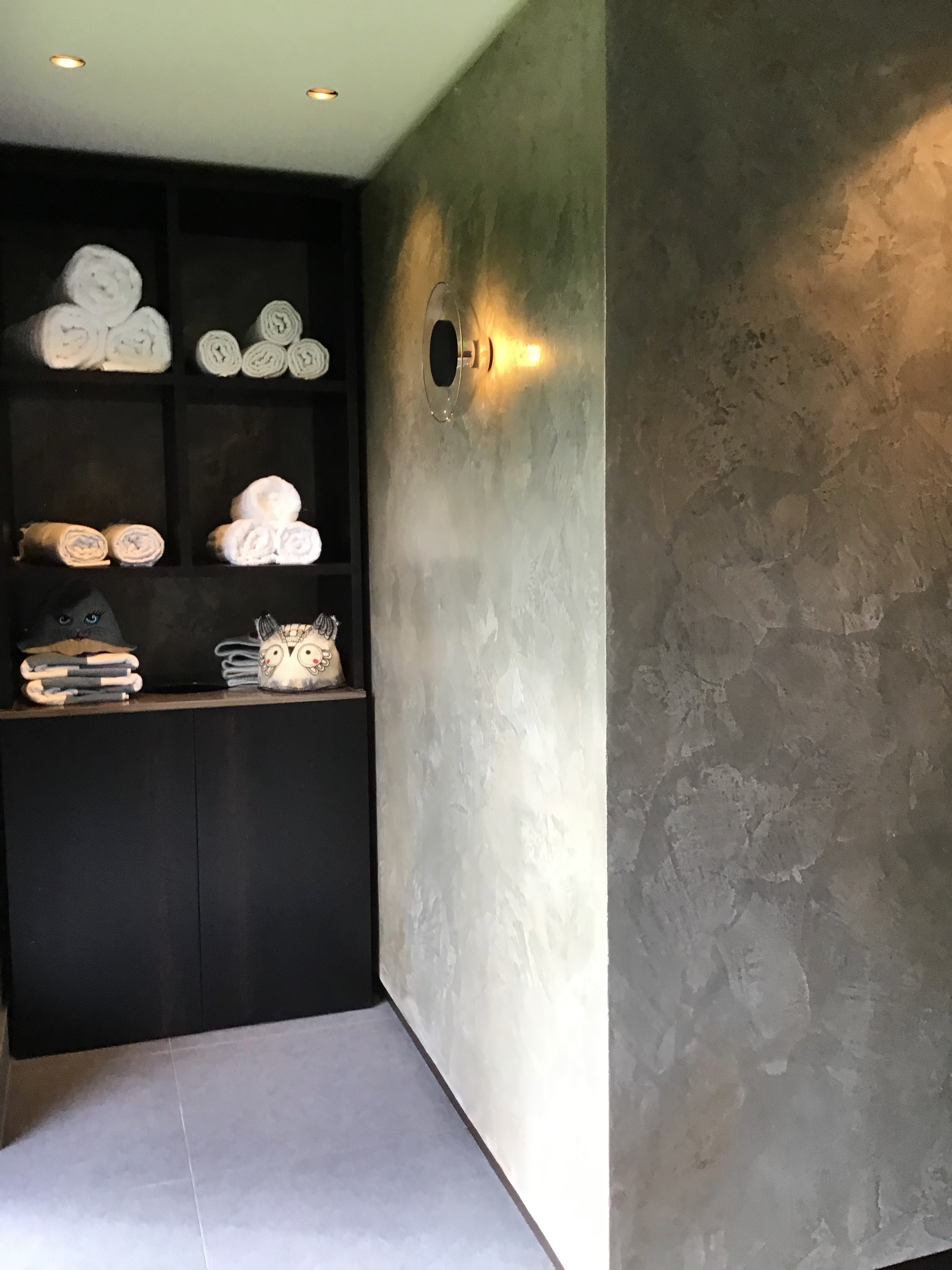 bespoke polished plaster spa putney finish grey silver bronze fabulous finishes uk 14.jpeg