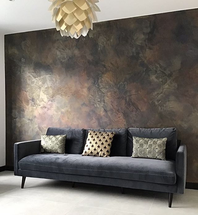 We created this bespoke feature wall for our client in Hendon, north London  She wanted a dark luxurious space to relax and unwind. We created a black polished plaster feature wall using copper, bronze and gold to highlight the movement  of our Artisan finish  The light changes picking up the glows of colour • • •  #darkinteriors #blackinteriors #darkfeaturewall #luxuryhome #luxurydecor  #signaturewalls #customwall #artisanwall #orginalwallart #artisanmade #bespokedecoration #workingwithclients #italiandesign #ontrendcolours #metallicfeaturewall #beautifulfeaturewall #specialistdecoration #motherofpearlwalls #highendhomes #fabulousfinishes_uk #makingdreamscometrue #luxurylifestyle #bespokeinteriors #interiordesign