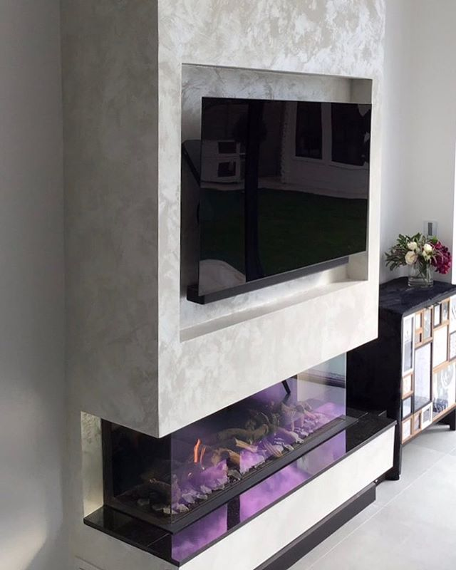 This is the second finish we have created for for our Hendon client.  It's a intriguing finish for all the right reasons, it's one of our lustre finishes, it catches the light beautifully and has such a delicate movement, this is one of our most popular finishes!  This finish is from our lustre range, this range always delivers a show stopping look. This look has been created by our lead artisan so it is completely bespoke to this home, we are so happy with the results. • • • • #darkinteriors #blackinteriors #darkfeaturewall #luxuryhome #luxurydecor  #signaturewalls #customwall #artisanwall #orginalwallart #artisanmade #bespokedecoration #workingwithclients #italiandesign #ontrendcolours #metallicfeaturewall #beautifulfeaturewall #specialistdecoration #motherofpearlwalls #highendhomes #fabulousfinishes_uk #makingdreamscometrue #luxurylifestyle #bespokeinteriors #interiordesign