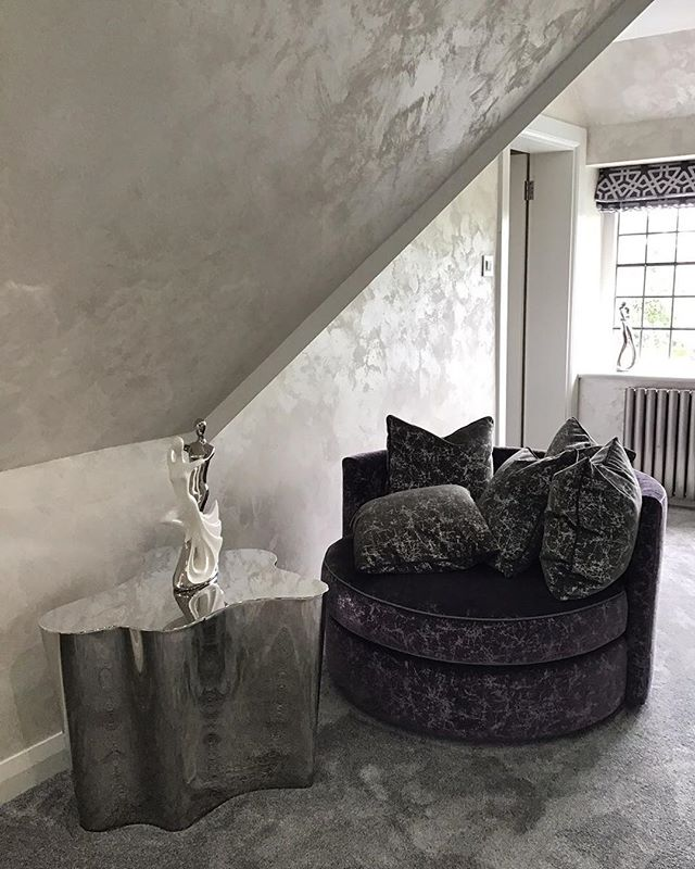 This is a luxury suede finish in Pearl white .  This is our clients cosy sung, this room is tucked away in one of the wings of our clients period property located in mill hill north London.  Our finish brought both luxury and light to the room which our clients furnished with more luxurious textures ! . . #fabulousfinishes_uk #cosy #snug #lightinterior #interiordesign #likeforlikes #womenswork #fabulous #suade #suadefinish #crushedvelvet #interiour #beautiful #bespokewalls #bespoke #custom #bespokefinish #bespokefinishes #white #silver #whitewalls #den #snug #london #millhill