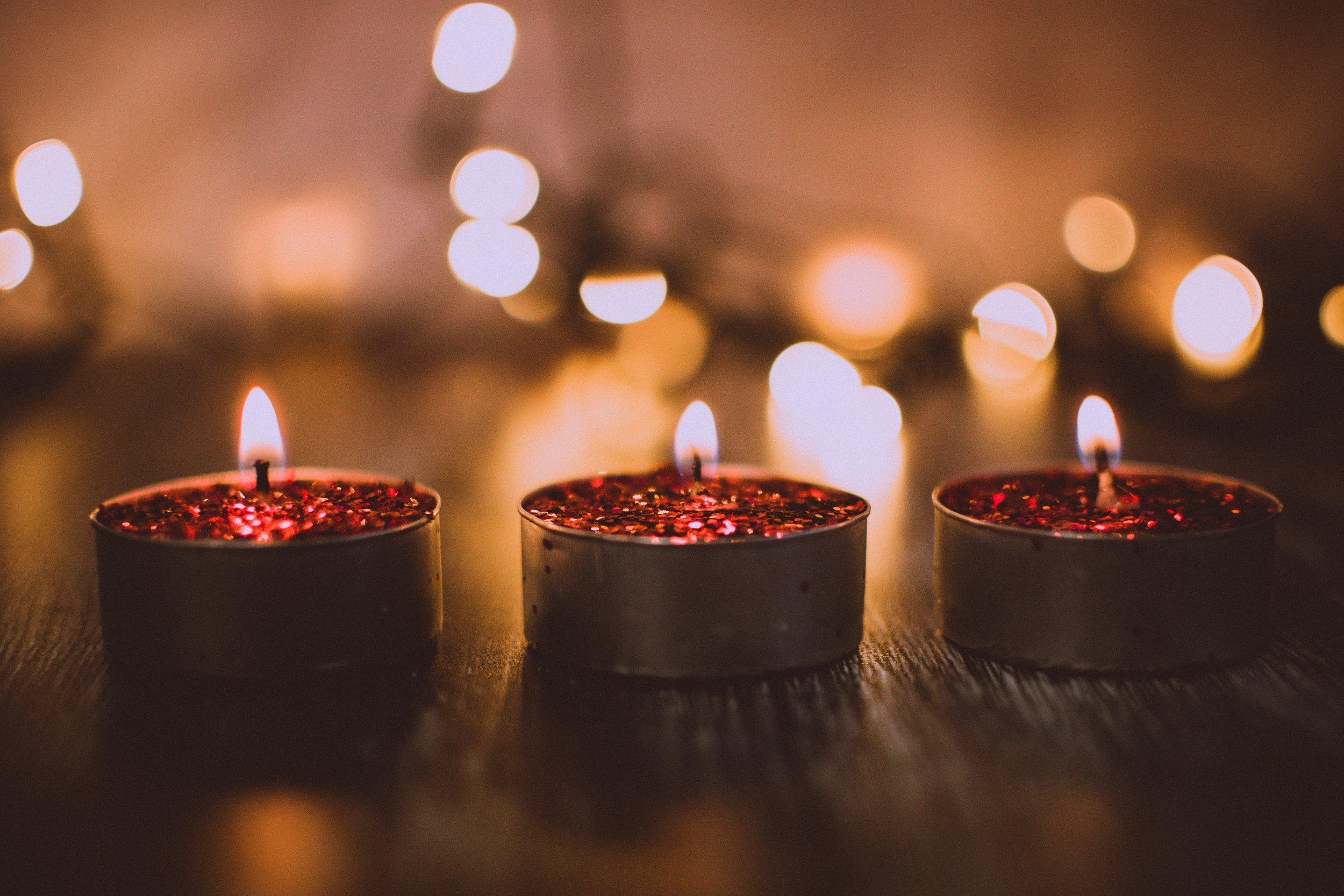 bokeh-burnt-candle-1652109.jpg