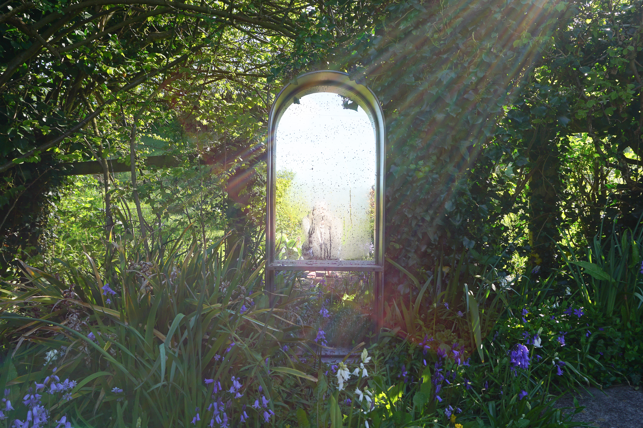 Tour a British country garden